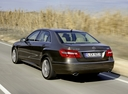 Фото авто Mercedes-Benz E-Класс W212/S212/C207/A207, ракурс: 135 цвет: коричневый