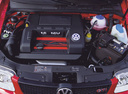 Фото авто Volkswagen Polo 3 поколение, ракурс: двигатель