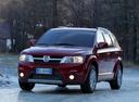 Фото авто Fiat Freemont 345, ракурс: 315 цвет: красный