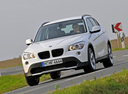 Фото авто BMW X1 E84, ракурс: 45 цвет: белый