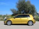 Фото авто Volkswagen Golf 7 поколение [рестайлинг], ракурс: 90 цвет: желтый