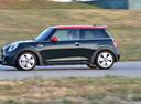 Фото авто Mini Cooper F56, ракурс: 90 цвет: зеленый
