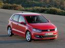 Фото авто Volkswagen Polo 5 поколение, ракурс: 315 цвет: красный