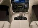 Фото авто Mercedes-Benz S-Класс W220 [рестайлинг], ракурс: ручка КПП