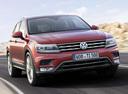 Фото авто Volkswagen Tiguan 2 поколение, ракурс: 315 цвет: красный