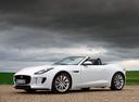 Фото авто Jaguar F-Type 1 поколение, ракурс: 45 цвет: белый