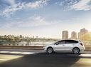 Фото авто Subaru Impreza 4 поколение [рестайлинг], ракурс: 90 цвет: белый