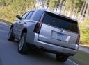 Фото авто Cadillac Escalade 4 поколение, ракурс: 135 цвет: серебряный