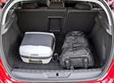 Фото авто Peugeot 308 T9, ракурс: багажник цвет: красный