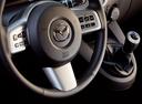 Фото авто Mazda 2 DE, ракурс: рулевое колесо