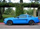 Фото авто Ford Mustang 5 поколение [рестайлинг], ракурс: 90 цвет: голубой