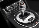 Фото авто Audi R8 1 поколение, ракурс: ручка КПП