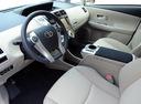 Фото авто Toyota Prius Plus 1 поколение, ракурс: торпедо