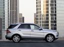 Фото авто Mercedes-Benz M-Класс W166, ракурс: 270 цвет: серебряный