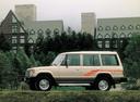Фото авто Mitsubishi Montero 1 поколение, ракурс: 90