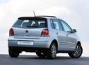 Фото авто Volkswagen Polo 4 поколение [рестайлинг], ракурс: 225 цвет: серебряный
