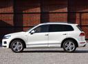 Фото авто Volkswagen Touareg 2 поколение, ракурс: 90 цвет: белый