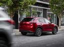 Фото авто Mazda CX-5 2 поколение, ракурс: 225 цвет: красный