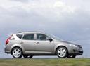 Фото авто Kia Cee'd 1 поколение, ракурс: 270 цвет: серебряный
