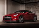 Фото авто Nissan GT-R R35 [2-й рестайлинг], ракурс: 45 цвет: красный