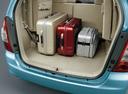 Фото авто Toyota Innova 1 поколение [2-й рестайлинг], ракурс: багажник