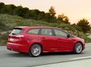 Фото авто Ford Focus 3 поколение, ракурс: 225 цвет: красный