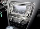 Фото авто Skoda Octavia 2 поколение [рестайлинг], ракурс: центральная консоль