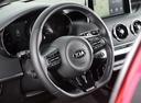 Фото авто Kia Stinger 1 поколение, ракурс: рулевое колесо