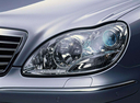 Фото авто Mercedes-Benz S-Класс W220 [рестайлинг], ракурс: передние фары