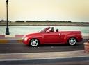 Фото авто Chevrolet SSR 1 поколение, ракурс: 90 цвет: красный