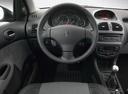 Фото авто Peugeot 206 1 поколение, ракурс: торпедо