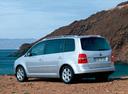 Фото авто Volkswagen Touran 1 поколение, ракурс: 135
