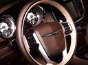 Фото авто Chrysler 300C 2 поколение, ракурс: рулевое колесо