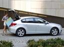 Фото авто Chevrolet Cruze J300, ракурс: 270 цвет: серебряный