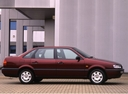 Фото авто Volkswagen Passat B4, ракурс: 270 цвет: бордовый