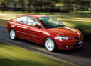 Фото авто Mazda 3 BK, ракурс: 315 цвет: красный