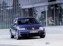 Фото авто Volkswagen Passat B5.5 [рестайлинг], ракурс: 315 цвет: синий