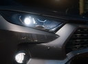 Фото авто Toyota RAV4 5 поколение, ракурс: передние фары