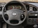 Фото авто Hyundai Elantra XD, ракурс: рулевое колесо