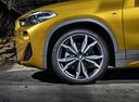 Фото авто BMW X2 F39, ракурс: колесо цвет: золотой