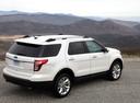 Фото авто Ford Explorer 5 поколение, ракурс: 225 цвет: белый