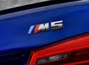 Фото авто BMW M5 F90, ракурс: багажник цвет: синий