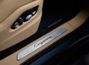 Фото авто Porsche Cayenne PO536, ракурс: элементы интерьера