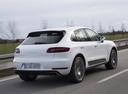 Фото авто Porsche Macan 1 поколение, ракурс: 225 цвет: белый