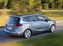 Фото авто Opel Zafira C, ракурс: 225 цвет: серебряный