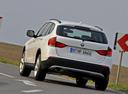 Фото авто BMW X1 E84, ракурс: 135 цвет: белый