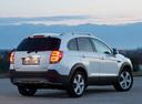 Фото авто Chevrolet Captiva 1 поколение [2-й рестайлинг], ракурс: 225 цвет: белый