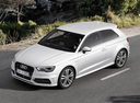 Фото авто Audi A3 8V, ракурс: 45 цвет: белый
