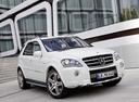 Фото авто Mercedes-Benz M-Класс W164 [рестайлинг], ракурс: 315 цвет: белый