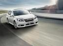 Фото авто Subaru Legacy 5 поколение [рестайлинг], ракурс: 315 цвет: белый